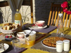 Breakfast on the Puits des Brousses terrace